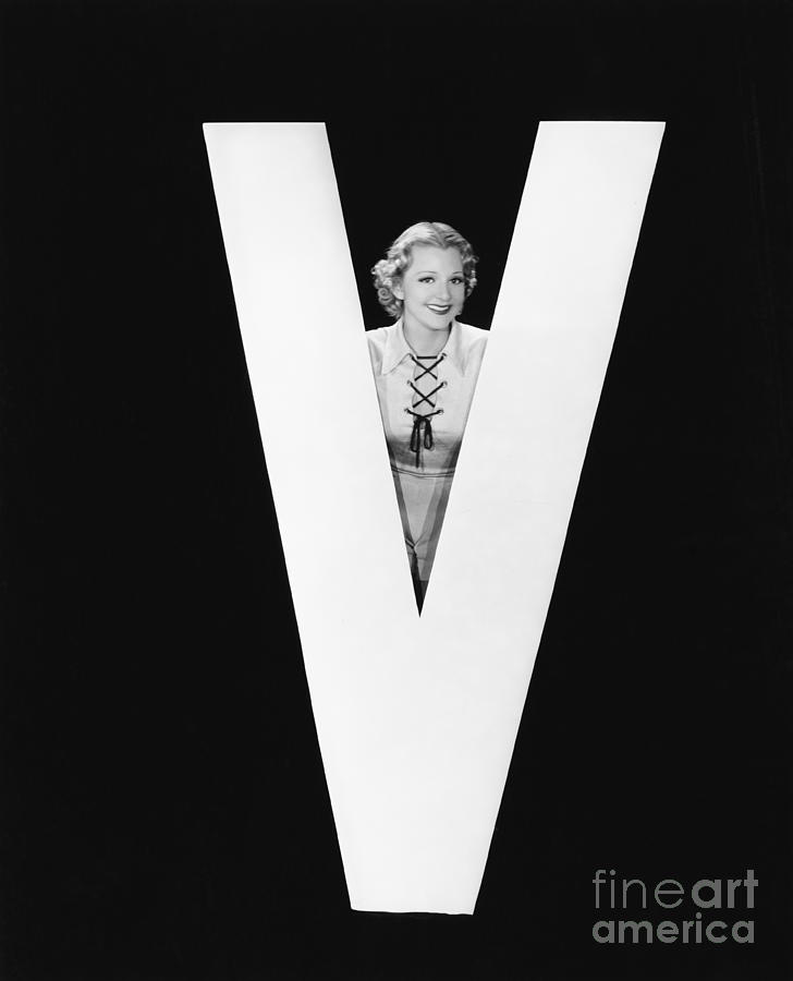 Testimonial Photograph - Woman Posing With Huge Letter V by Everett Collection
