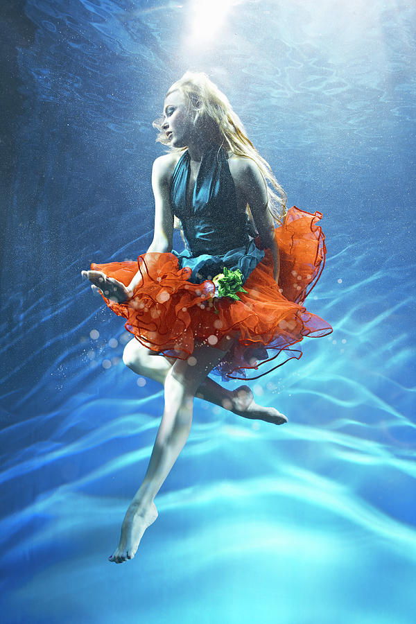 Woman Suspended Underwater Photograph by Zena Holloway