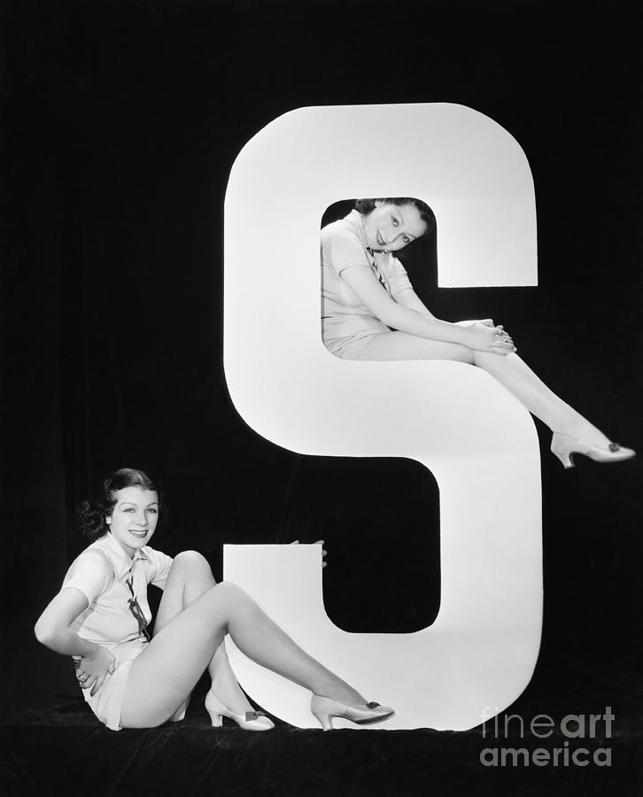 Big Photograph - Women Posing With Huge Letter S by Everett Collection
