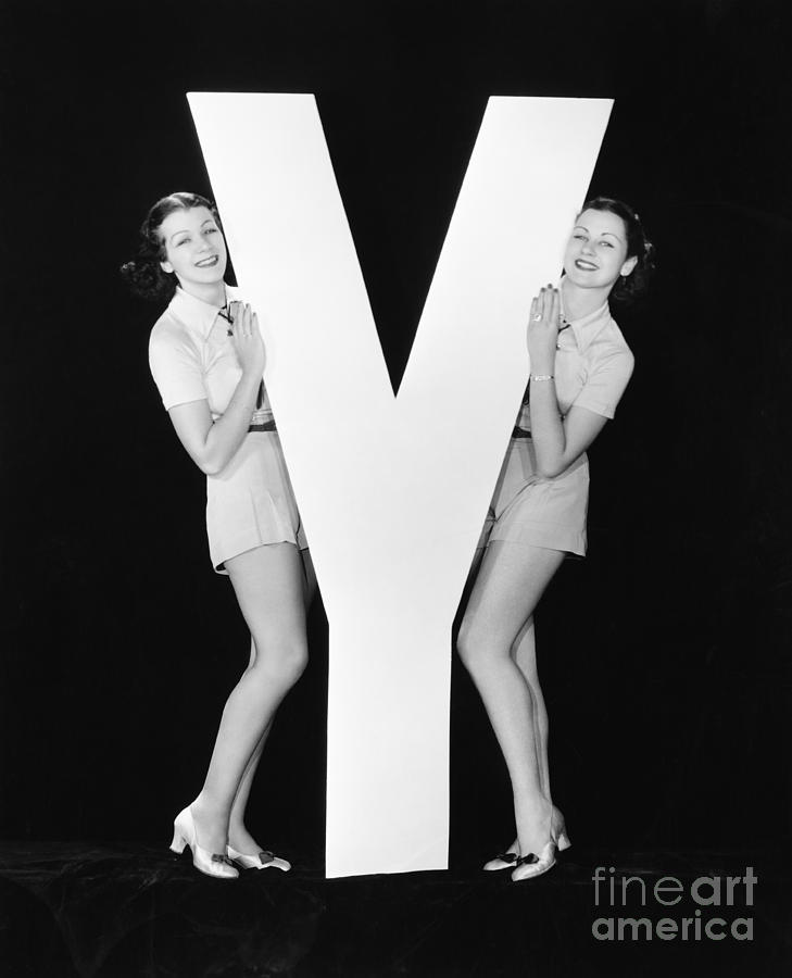 Play Photograph - Women Posing With Huge Letter Y by Everett Collection