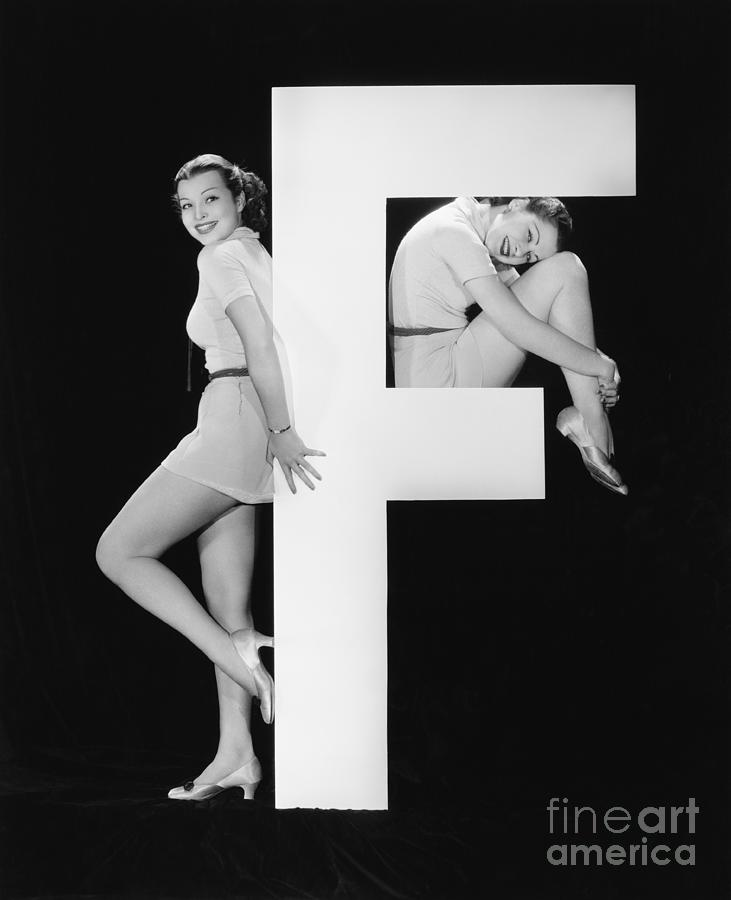 Big Photograph - Women With Huge Letter F by Everett Collection