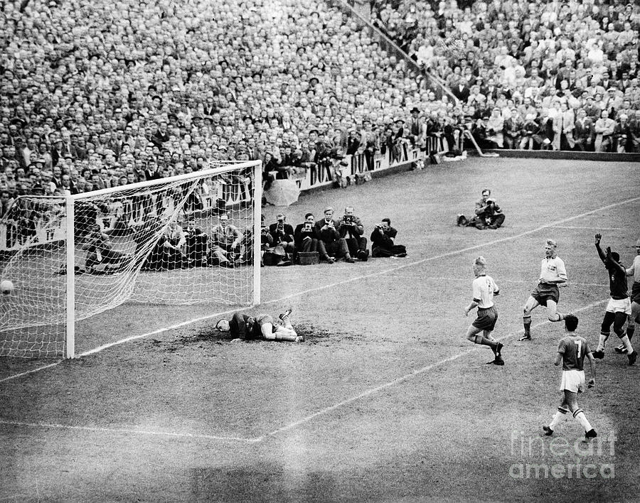 World Cup Goal By Pele In Sweden Photograph by Bettmann