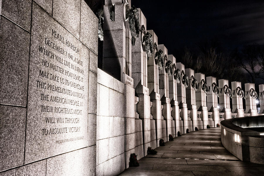 World War II Memorial by Travis Rogers