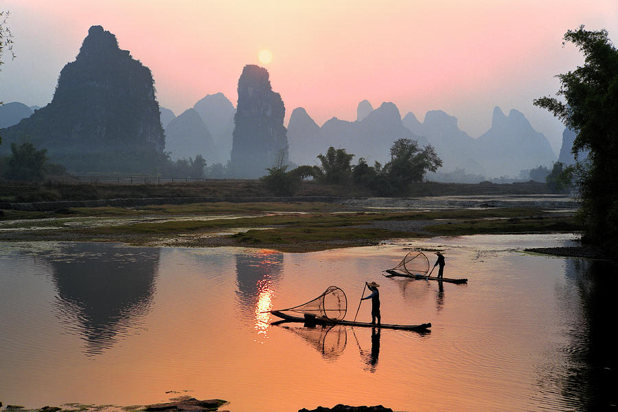 Yangshuo Li River At Sunset Photograph by Kingwu