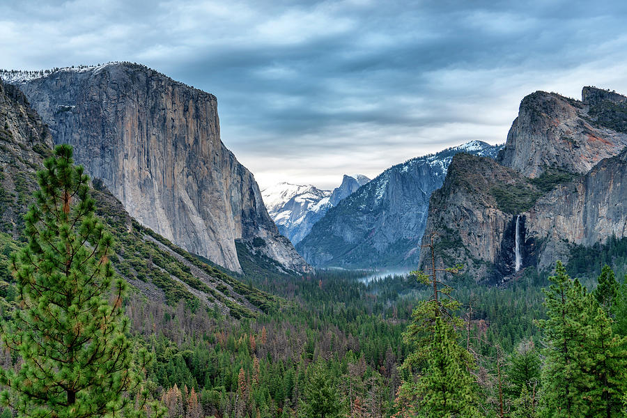 Yosemite National Park Tunnel View CA_GRK1869_12212018-HDR39213922 by Greg Kluempers