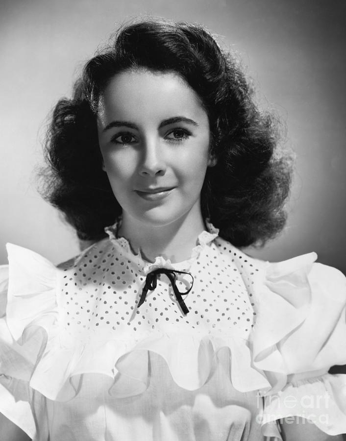 Young Liz Taylor, At Age 13 Photograph by Bettmann