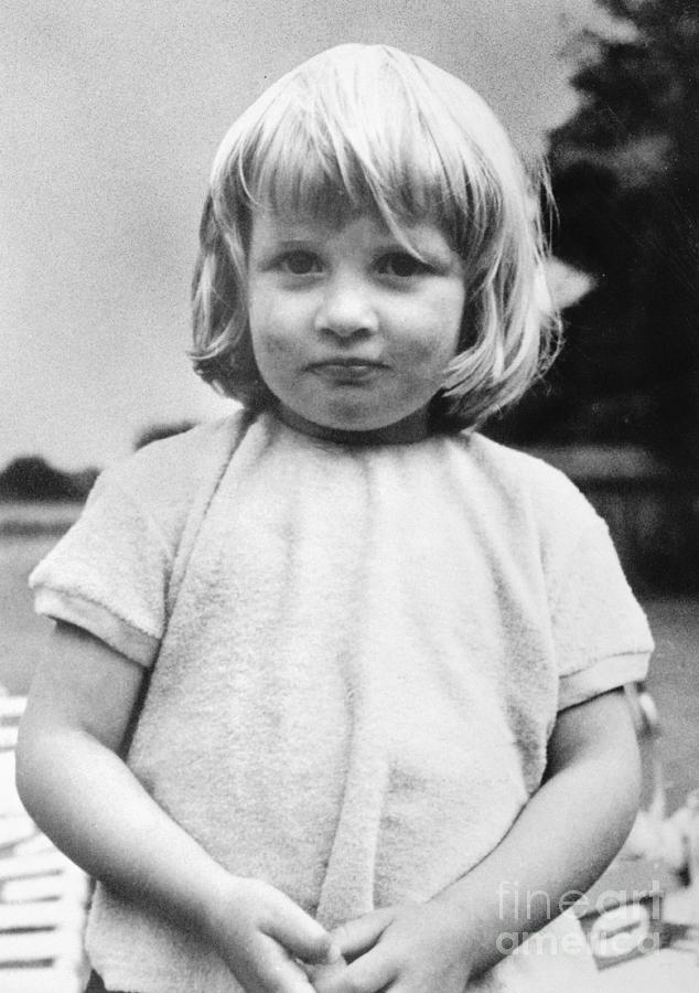 Young Princess Diana Photograph by Bettmann