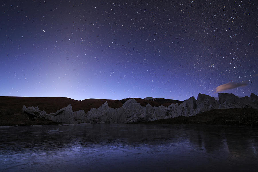 Zodiacal Light Appear Brightly by Jeff Dai