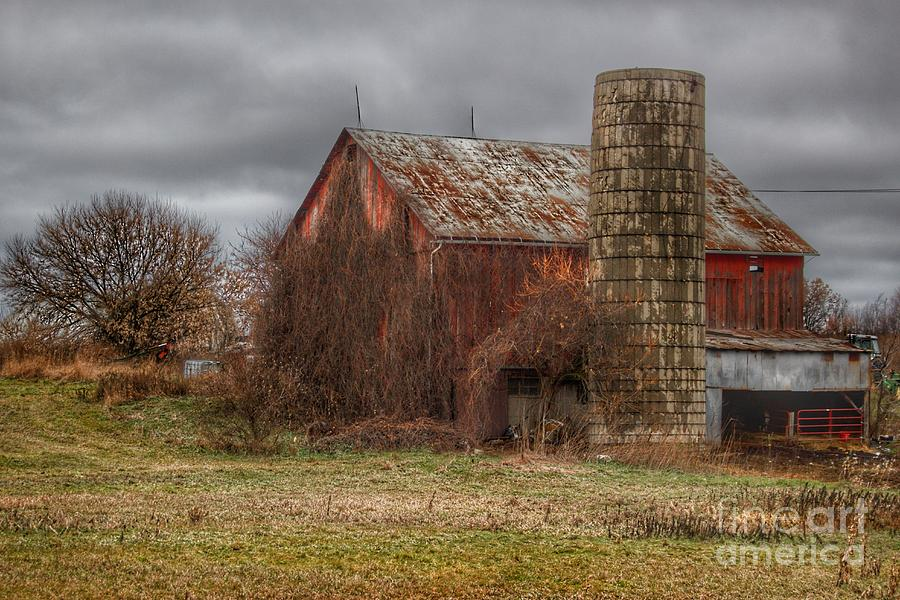 0795 - Slattery Road's Old Red and Silo I by Sheryl L Sutter