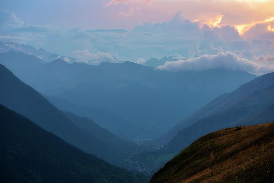 Cloudy sunset in the Valle de aran by Vicen Photography