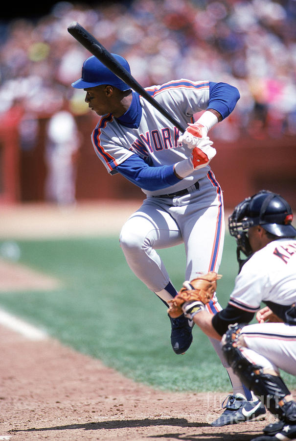 Darryl Strawberry Photograph by Michael Zagaris