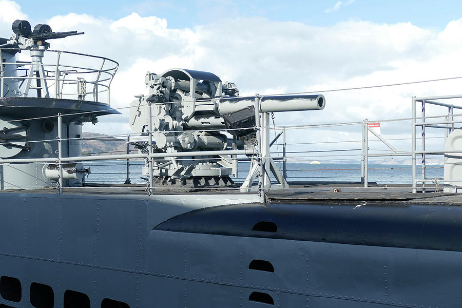 Deck gun of USS Pampanito by Steve Estvanik