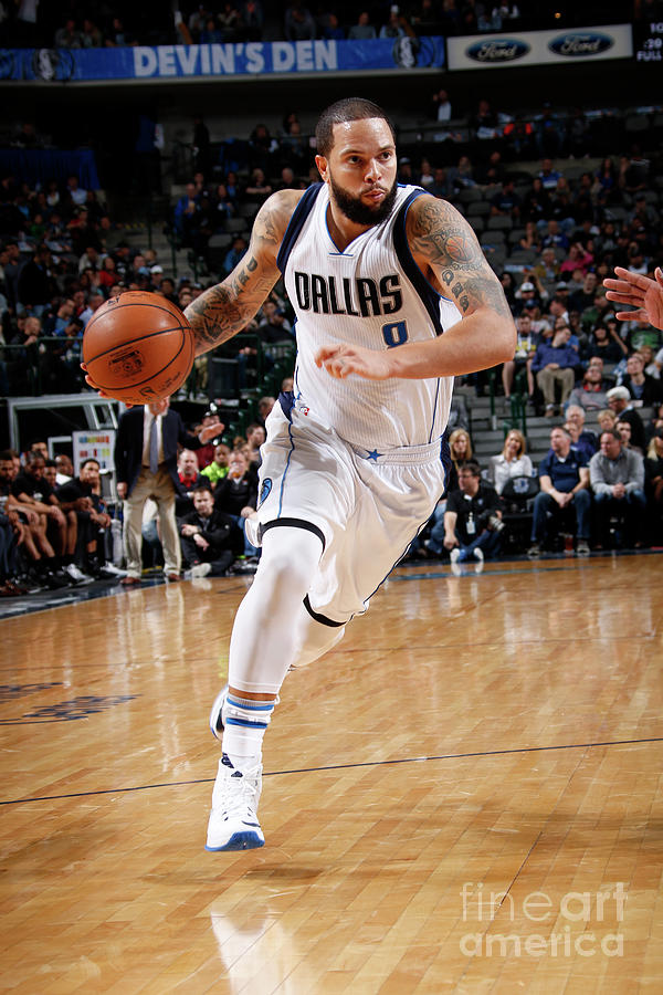 Deron Williams Photograph by Glenn James