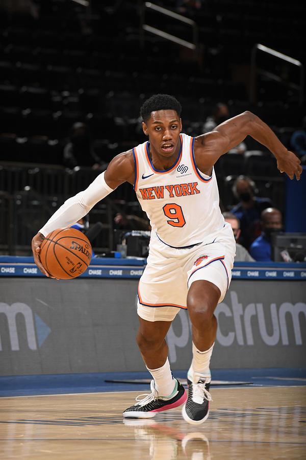Detroit Pistons v New York Knicks Photograph by Garrett Ellwood