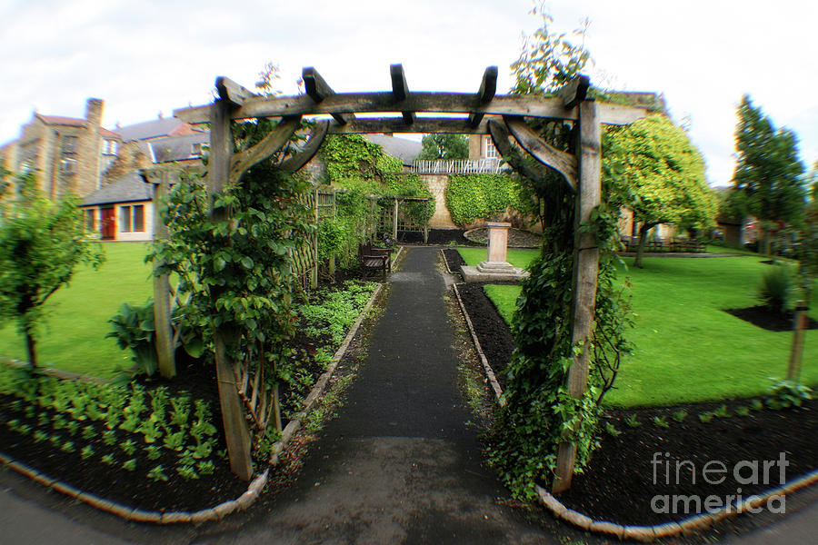 English Country Garden by Doc Braham
