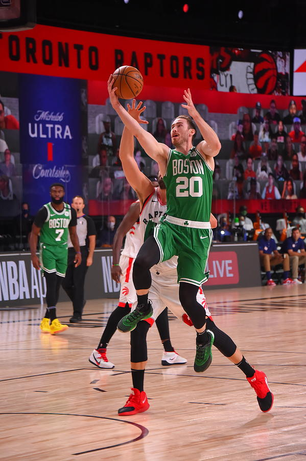 Gordon Hayward Photograph by Bill Baptist