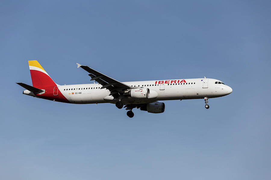 Iberia Airlines Airbus A321-212 Photograph