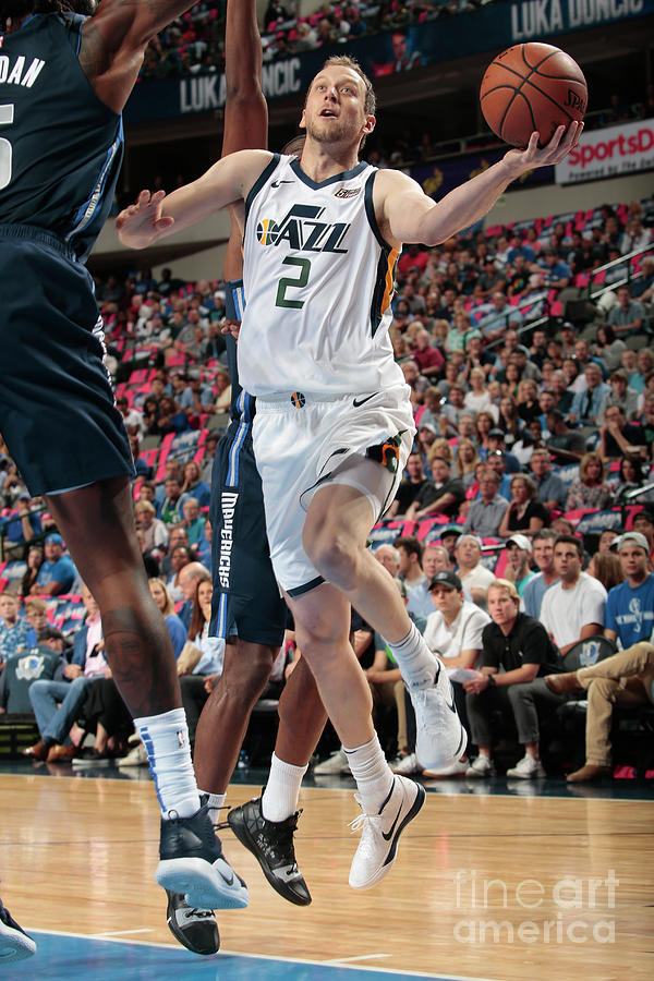 Joe Ingles Photograph by Glenn James