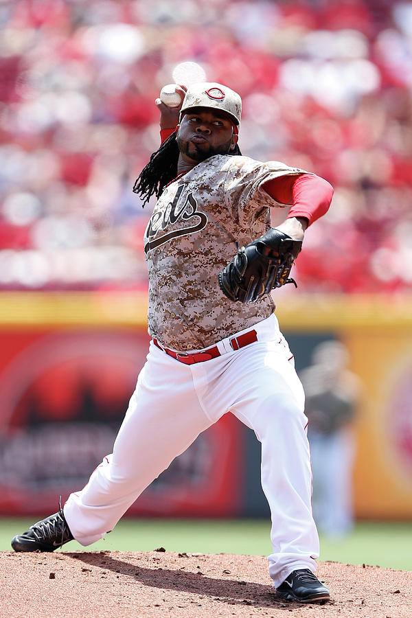 Johnny Cueto Photograph by Joe Robbins