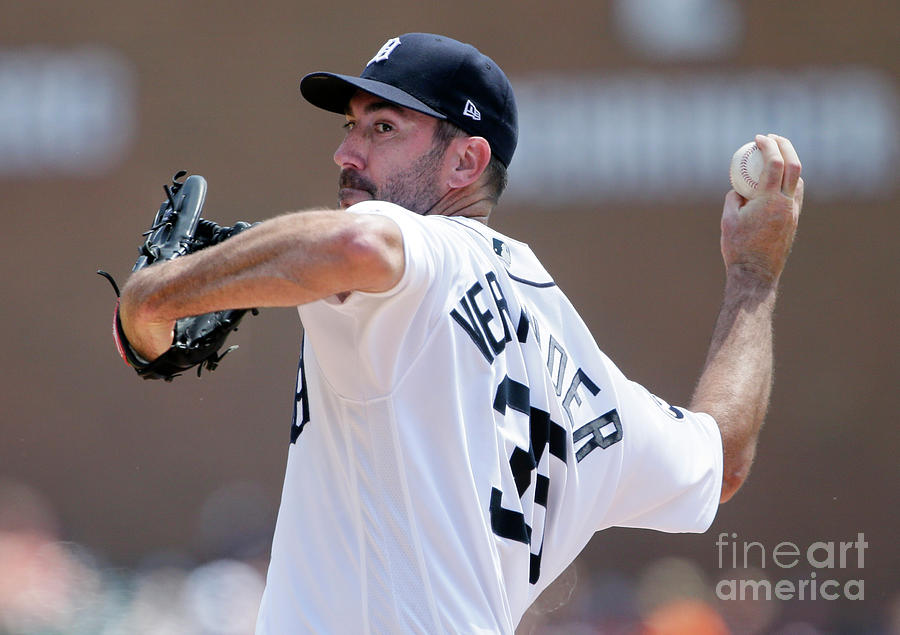 Justin Verlander Photograph by Duane Burleson