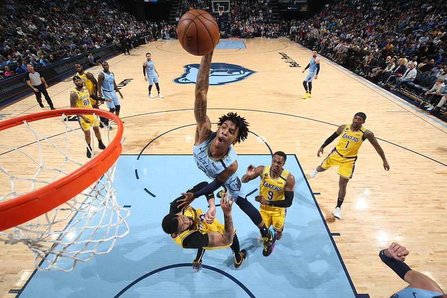 Los Angeles Lakers v Memphis Grizzlies Photograph by Joe Murphy