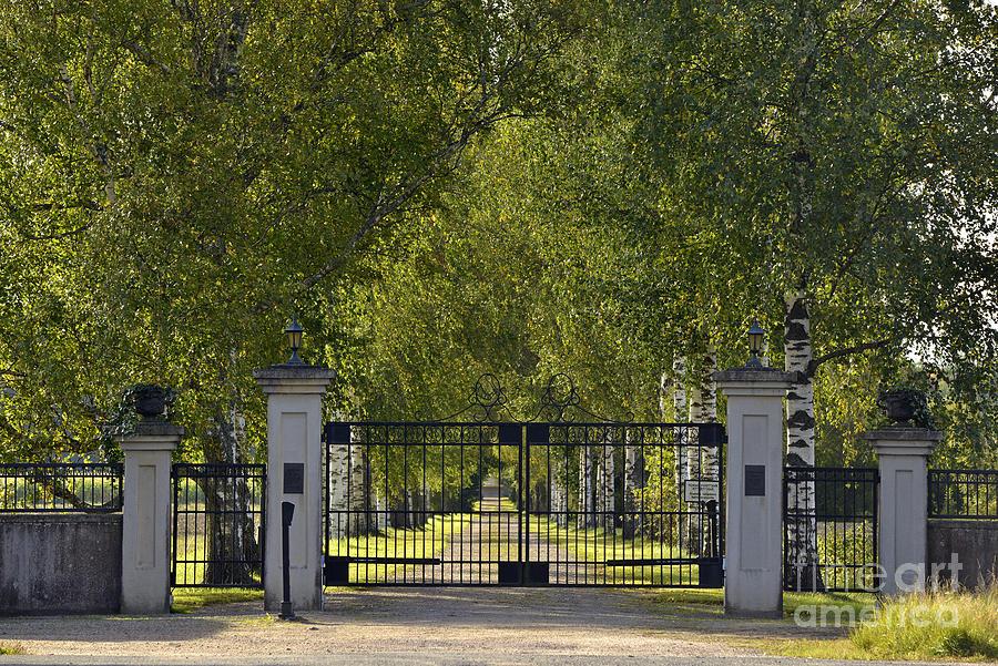 Manor Gate Photograph