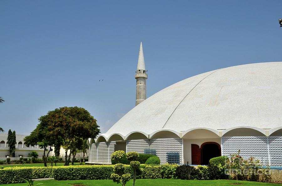 Masjid Tooba or Round Mosque with marble dome minaret and gardens Defence Karachi Pakistan by Imran Ahmed
