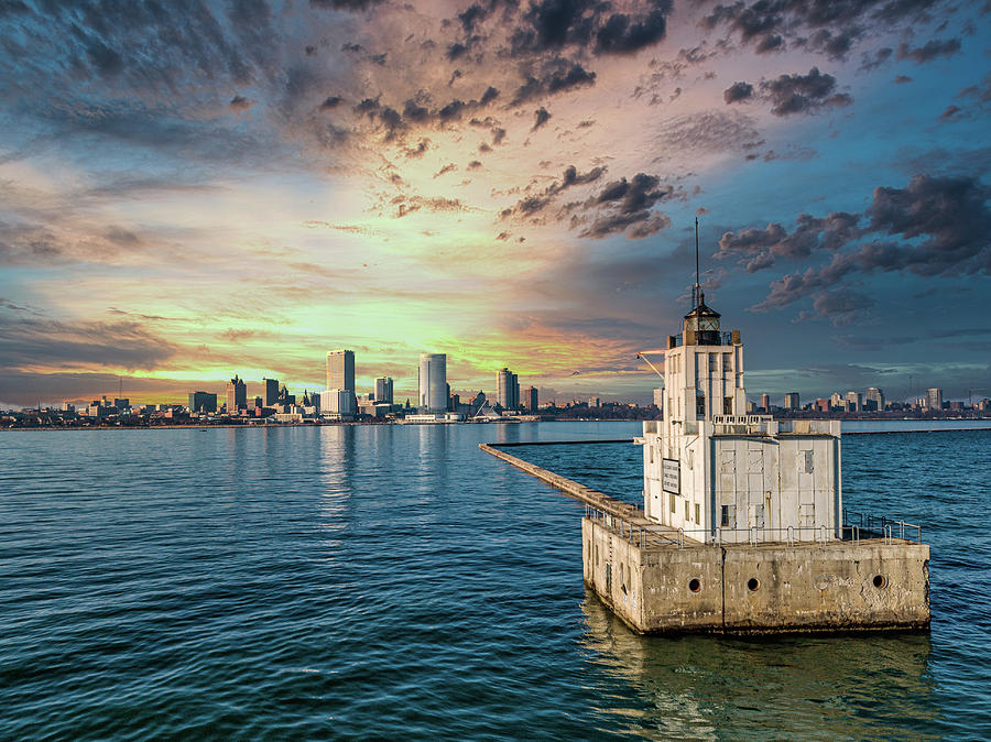 Milwaukee Sunset by Randy Scherkenbach