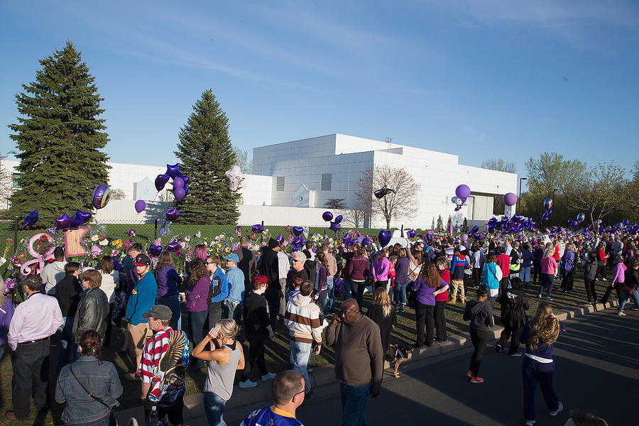 Minneapolis Area Mourns Death Of Native Son Prince Photograph by Scott Olson