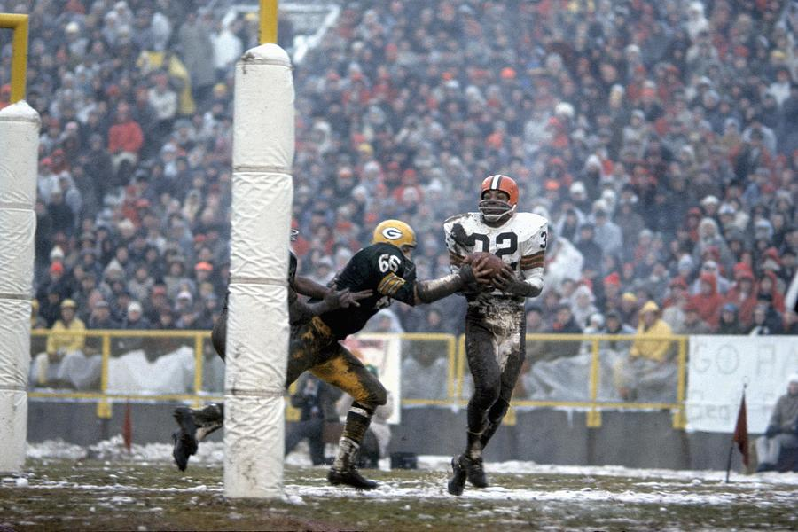 NFL Championship Game :Cleveland Browns v Green Bay Packers Photograph by Tony Tomsic