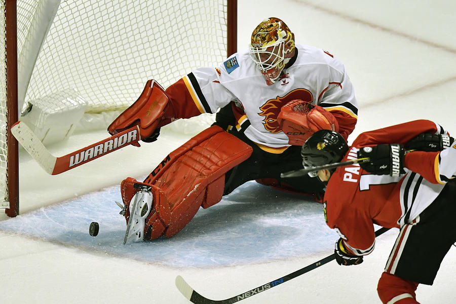 NHL: OCT 24 Flames at Blackhawks Photograph by Icon Sportswire