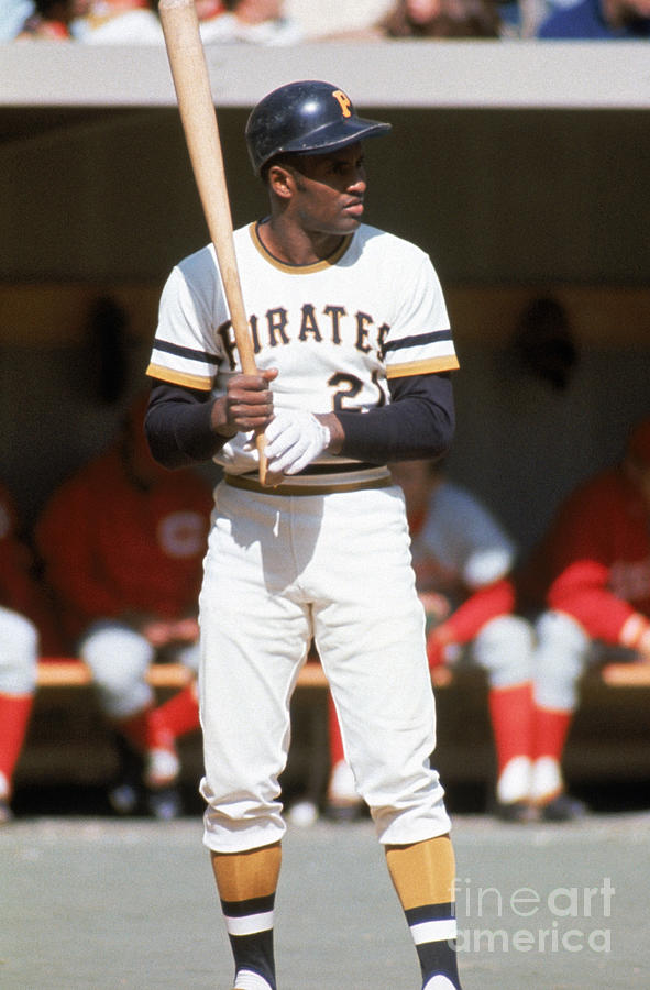 Roberto Clemente Photograph by Mlb Photos