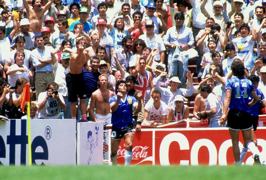 Soccer - World Cup Mexico 1986 - Quarter Final - Argentina v England Photograph by Peter Robinson - EMPICS