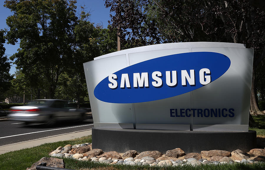 Trial Begins In Apple-Samsung Patent Battle Photograph by Justin Sullivan