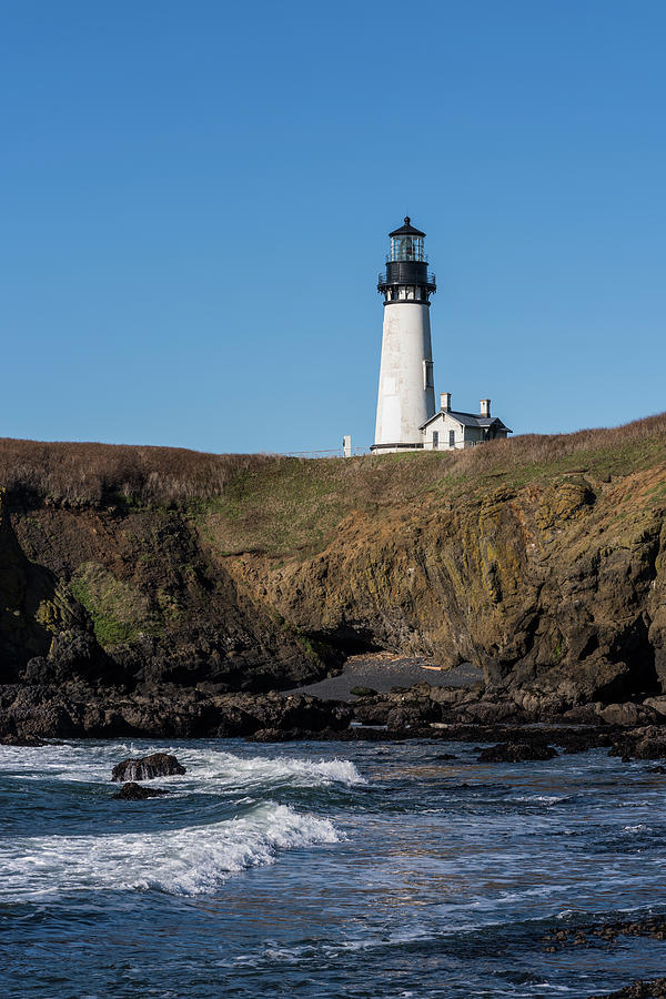 Yaquina Head Lighthouse by Robert Potts