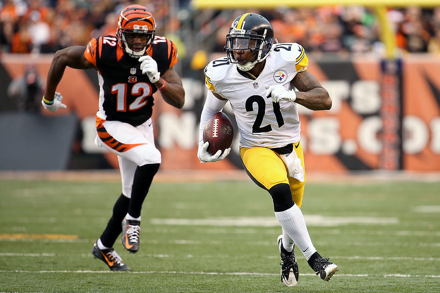 Pittsburgh Steelers v Cincinnati Bengals Photograph by Andy Lyons