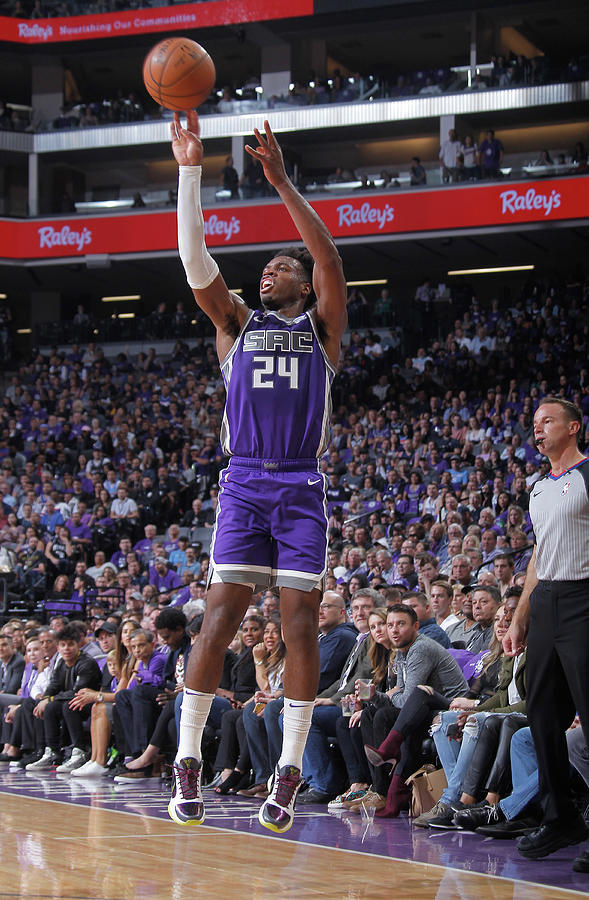 Buddy Hield Photograph by Rocky Widner