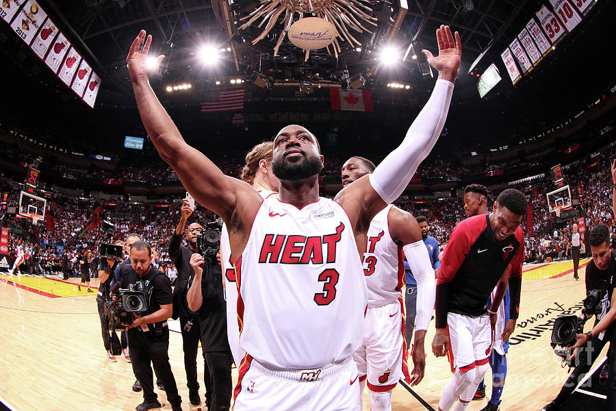 Dwyane Wade Photograph by Issac Baldizon