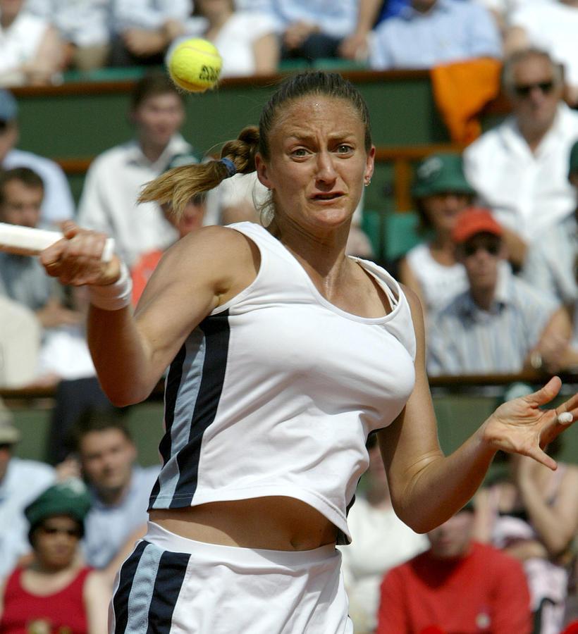 2005 French Open - Womens Singles - Semi Final - Mary Pierce vs Elena Likhovtseva Photograph by Cynthia Lum