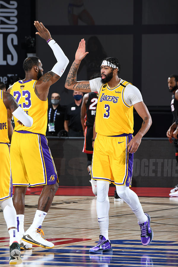 Anthony Davis and Lebron James Photograph by Andrew D. Bernstein
