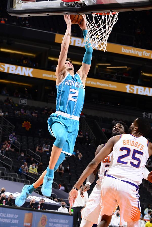 Charlotte Hornets v Phoenix Suns Photograph by Barry Gossage