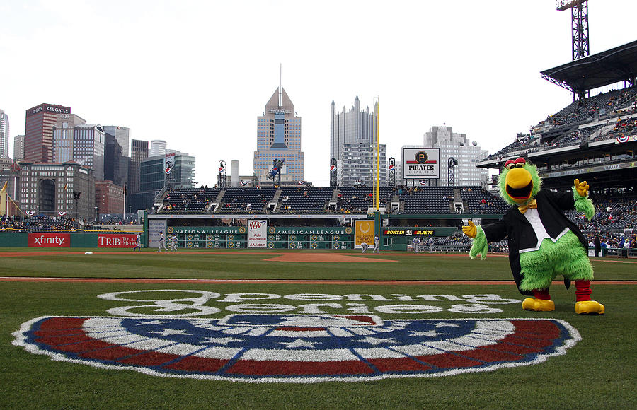 Chicago Cubs v Pittsburgh Pirates Photograph by Justin K. Aller