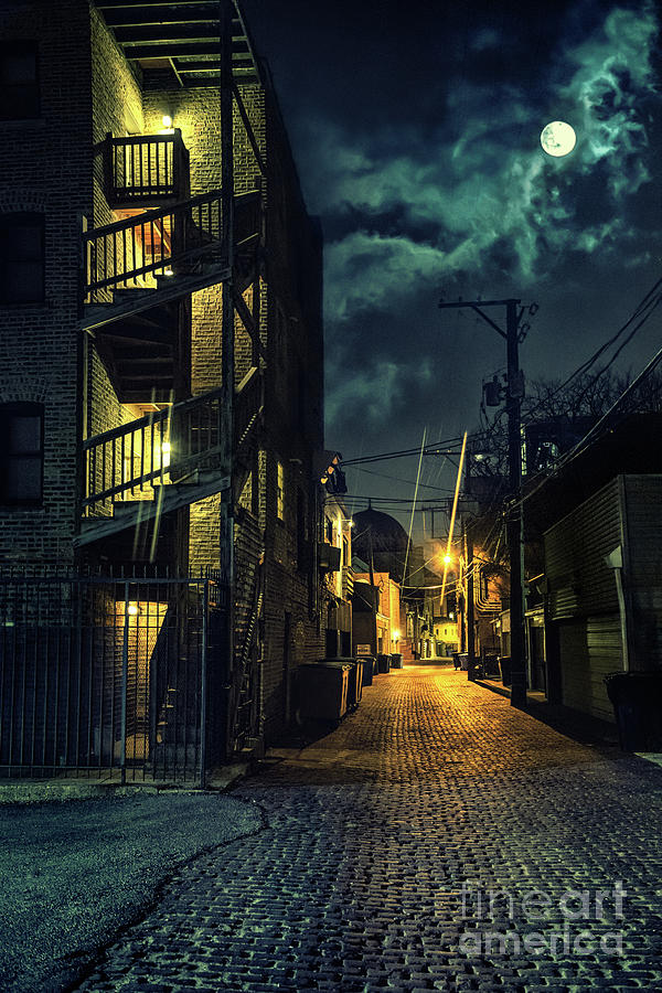 Chicago Alley Stock Photo - Download Image Now - iStock