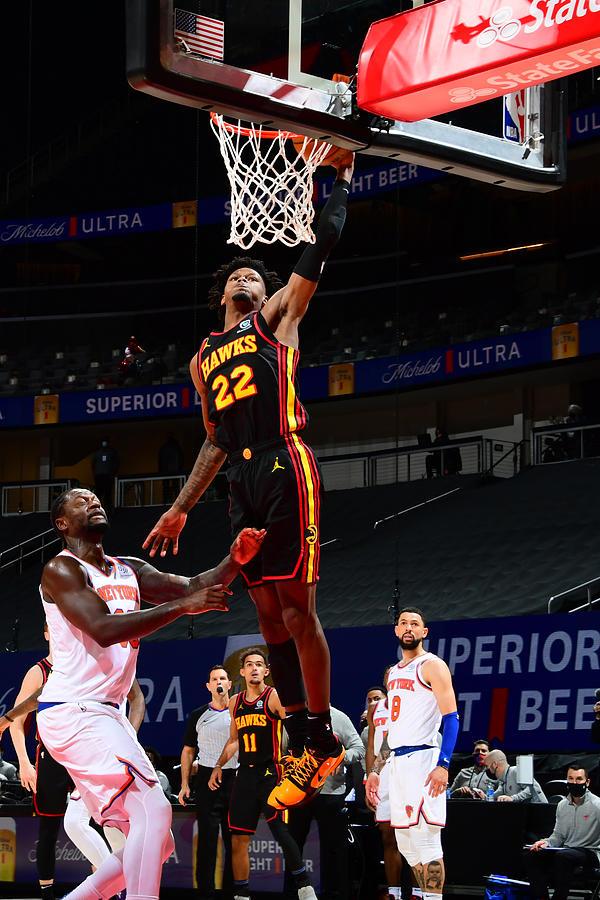 New York Knicks v Atlanta Hawks Photograph by Scott Cunningham
