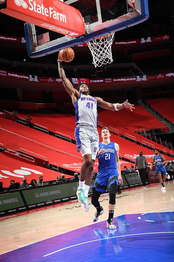 Orlando Magic v Detroit Pistons Photograph by Chris Schwegler
