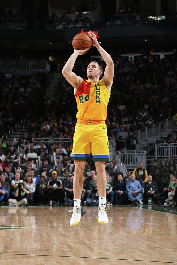 Pat Connaughton Photograph by Gary Dineen