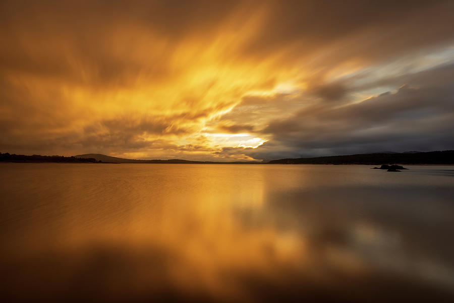 Reservoir in Soria in a spectacular sunrise by Vicen Photography