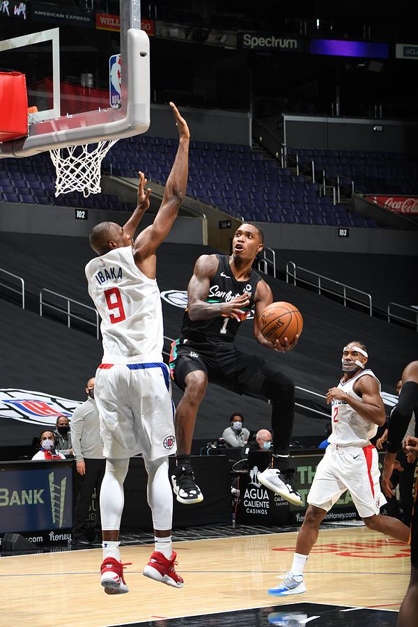San Antonio Spurs v LA Clippers Photograph by Adam Pantozzi