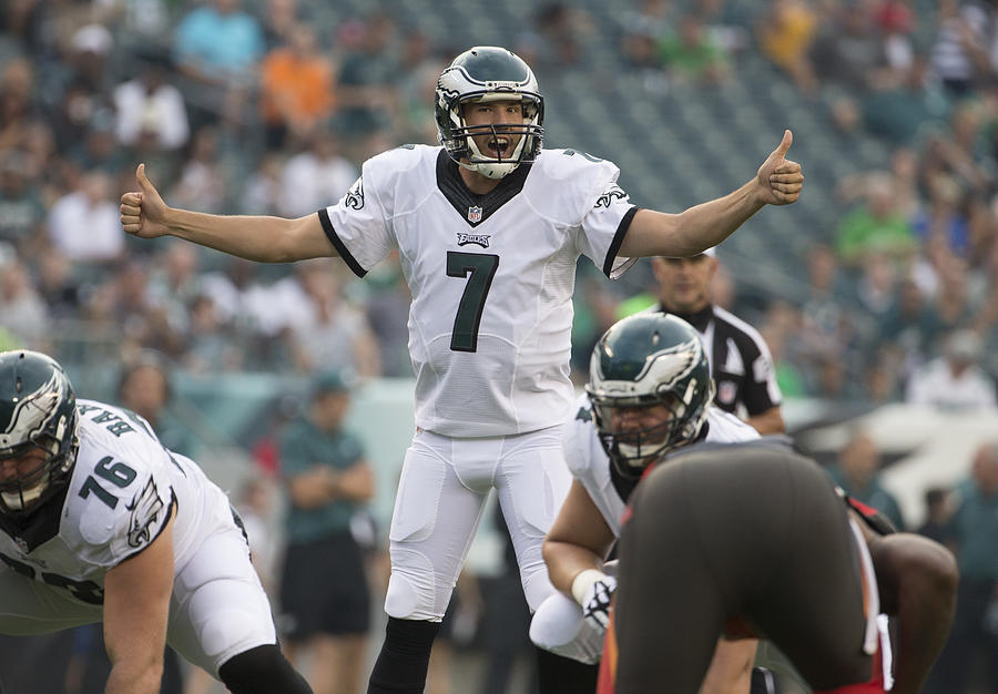 Tampa Bay Buccaneers v Philadelphia Eagles Photograph by Mitchell Leff