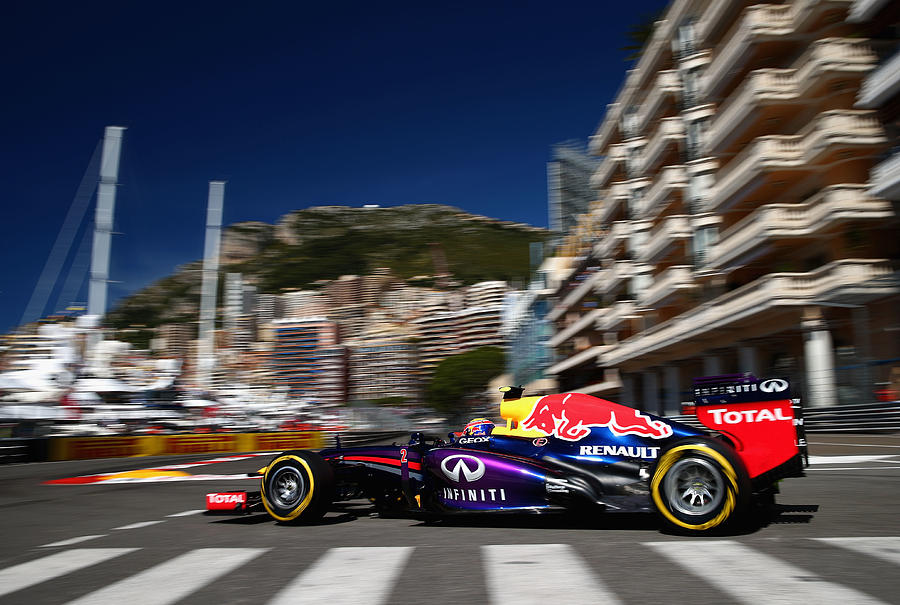F1 Grand Prix of Monaco - Qualifying Photograph by Clive Mason